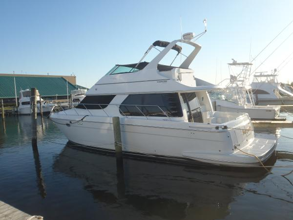 Carver 450 Voyager Pilothouse Port Side