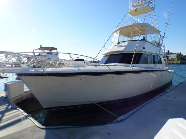Hatteras 52 Convertible Portside View