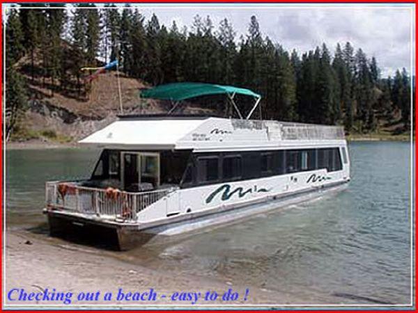 Custom Twin Anchors Houseboat Profile