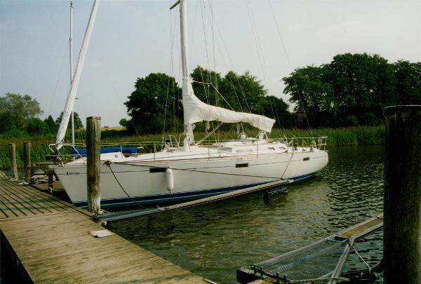 Beneteau Oceanis 390 im Wasser