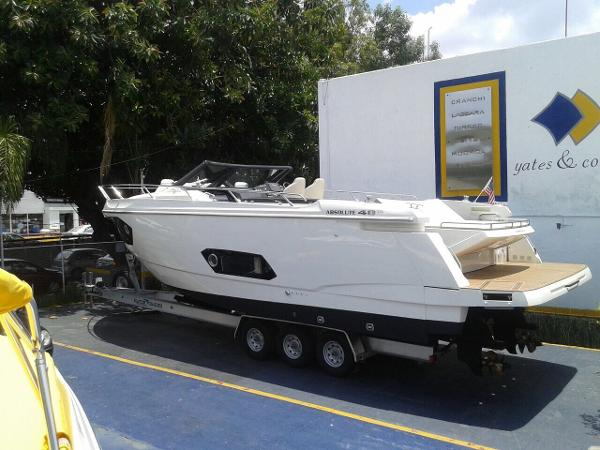 Absolute 40 stl open  Volvo Penta, D6 - 330 Horse Power