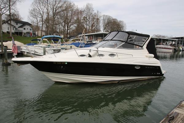 Regal 2860 Express Cruiser