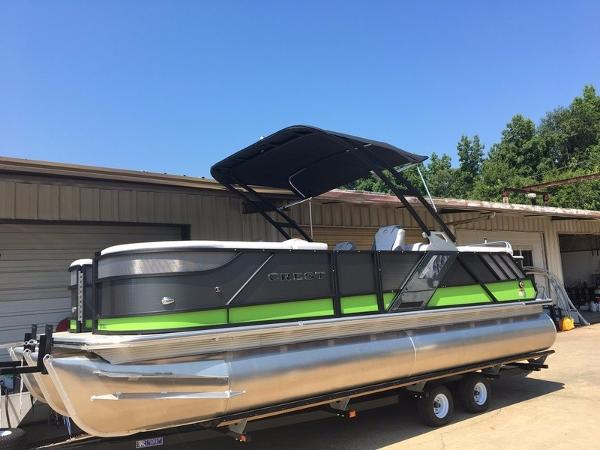 Crest Pontoon Boats Caliber 230 SLC