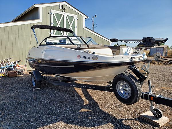 Bayliner Deck Boat 190 Fish Package