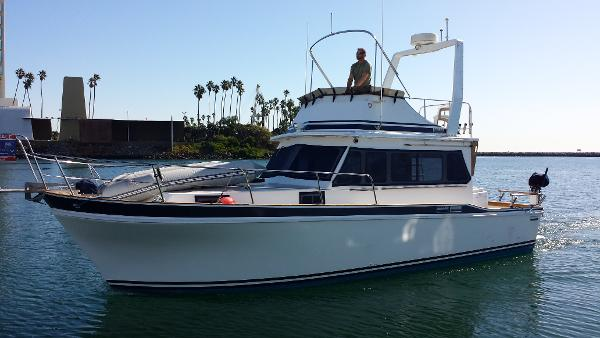 Californian 34 LRC Port Bow in Turn
