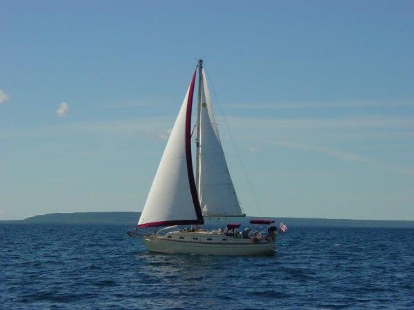 Island Packet 350 Under Sail