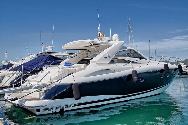 Sunseeker Portofino 53 Port view
