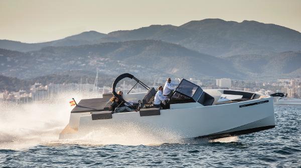 De Antonio Yachts D34 OPEN