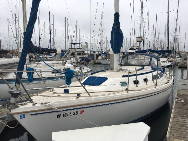 Catalina 34 Fwd port bow