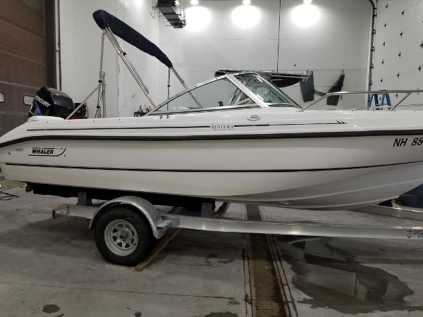 Boston Whaler Ventura 180