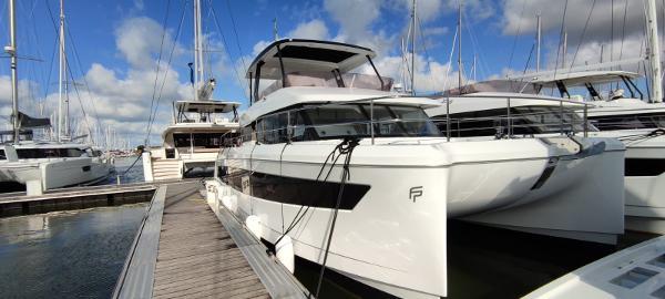 Fountaine Pajot Motor Yacht 44