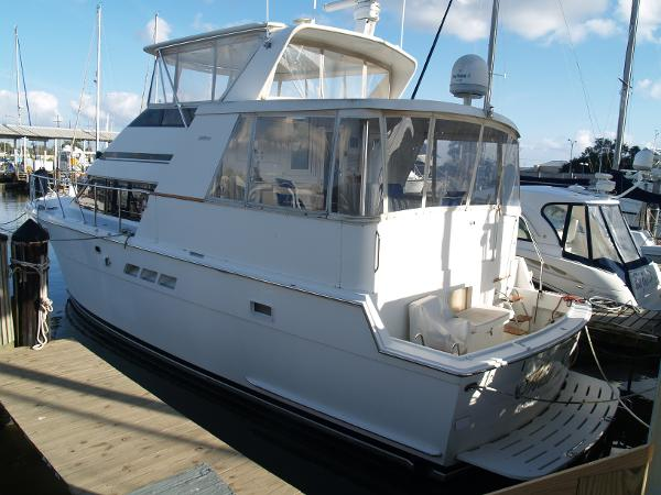 Hatteras 48 Cockpit Motoryacht