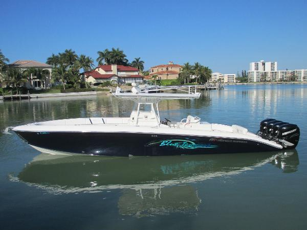 Midnight Express 37 Center Console Midnight Express 37 CC Profile