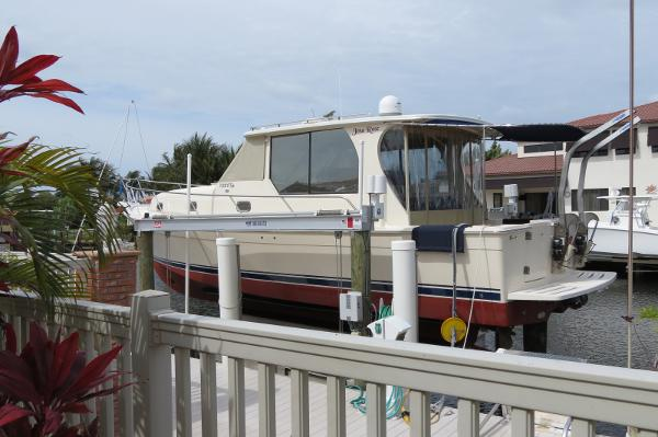 Mainship Luxury 34 Pilot Sedan