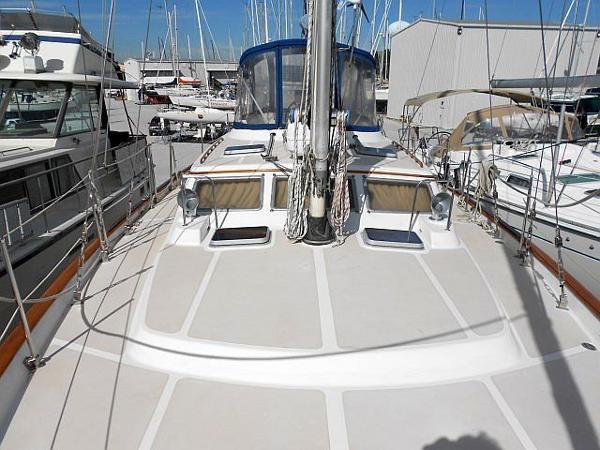 Looking aft from the bow. Tennis anyone?