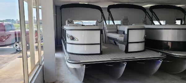 Bentley Pontoons 253 Elite Admiral