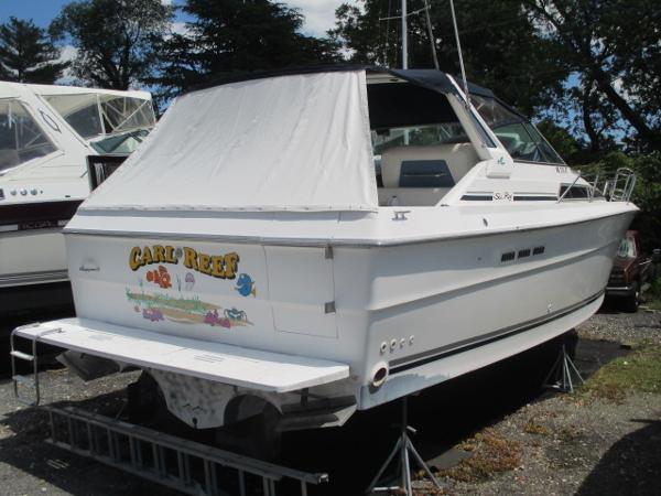 Sea Ray 390 Express Cruiser Starboard Quarter