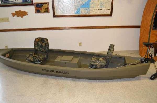 Creek Boats M12