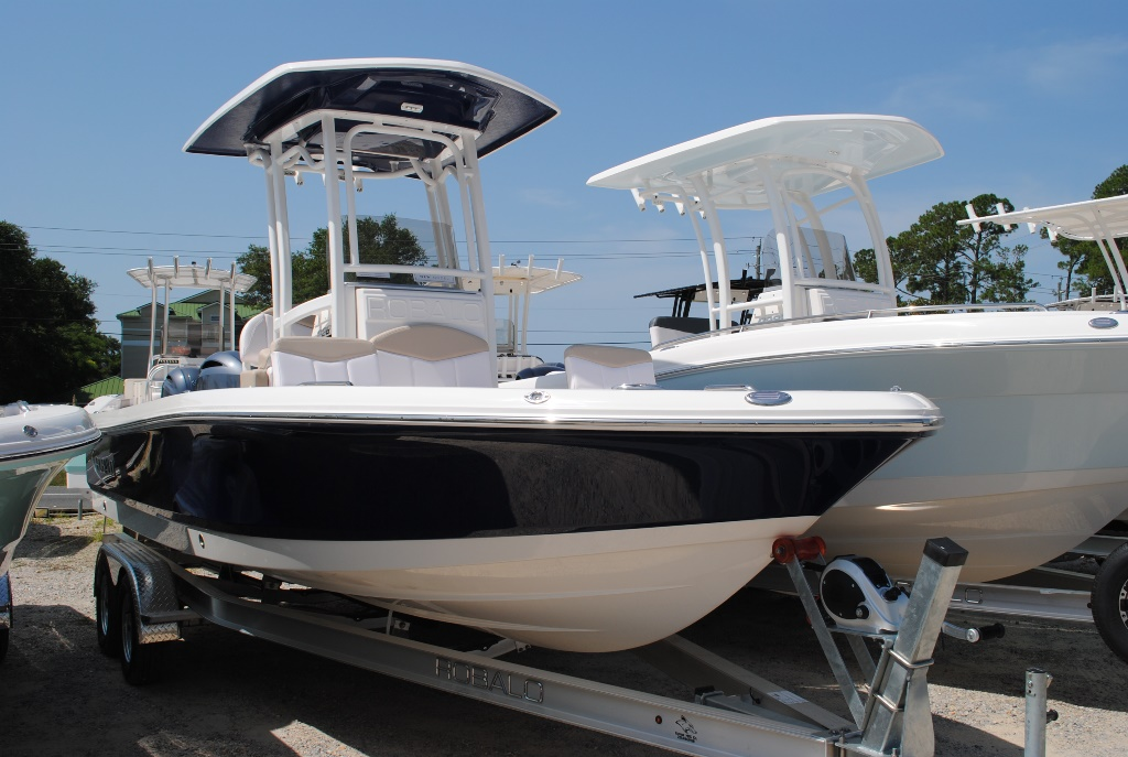 Robalo Bay Boats 226 Cayman