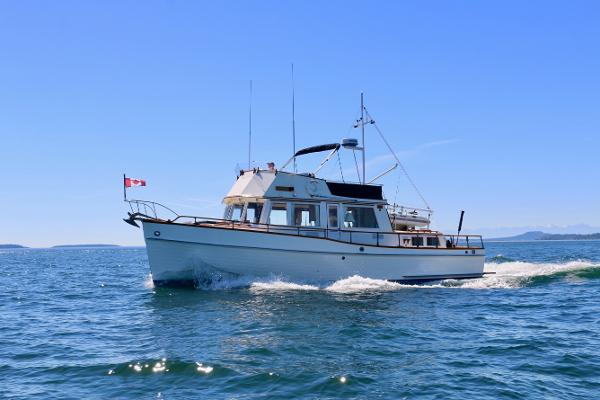 Grand Banks Classic At sea