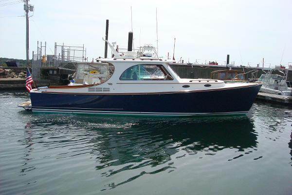 Hinckley Picnic Boat MKIII Island Mode