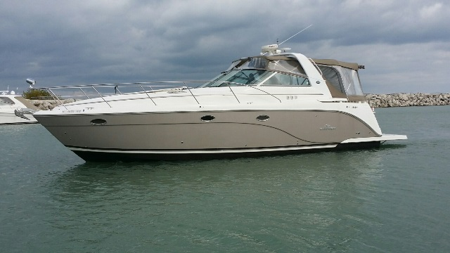 Rinker 420 Express Cruiser
