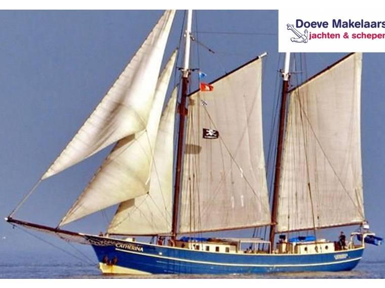 Sailing Cutter 25.53 charter vessel