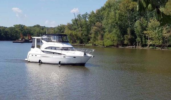 Meridian 408 Motoryacht Profile - On The River