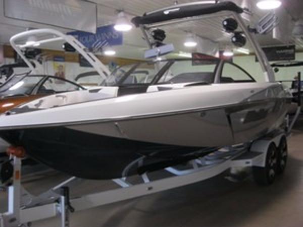 Malibu Boats 22 VLX