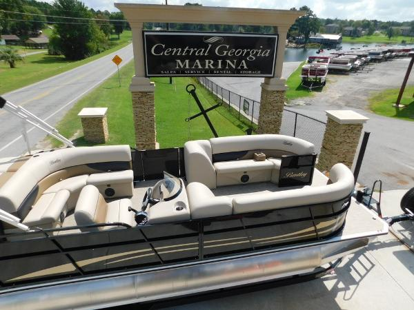 Bentley Pontoons 240 Cruise