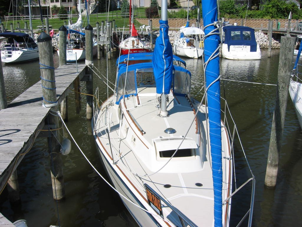 O'Day 30 Sloop