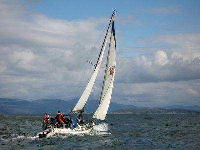 Elizabethan 33 Under Sail