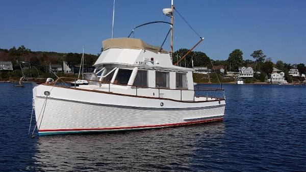 Grand Banks 32 Trawler side view