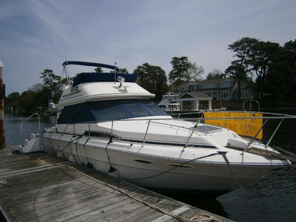 Sea Ray 340 Sedan Bridge