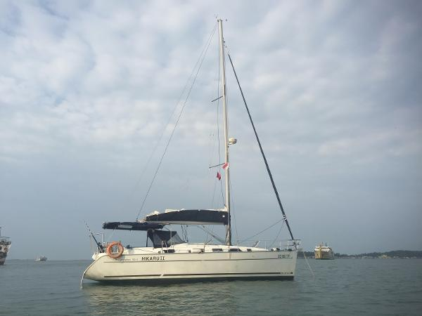 Beneteau Cyclades 39 Beneteau Cyclades 39.3 on anchor