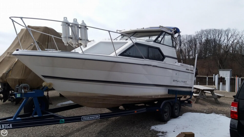 Bayliner 2452 Classic 1995 Bayliner 2452 Classic for sale in Saint Joseph, MI