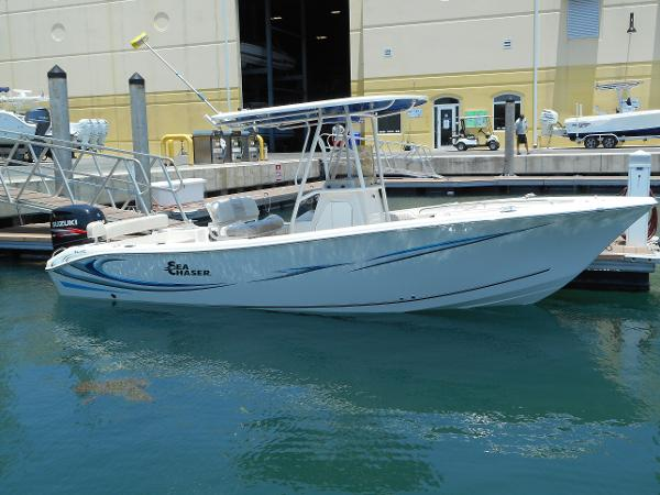 Sea Chaser 24 Hybrid Fish & Cruise
