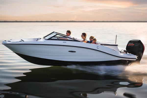 Sea Ray 19 SPX Outboard Manufacturer Provided Image