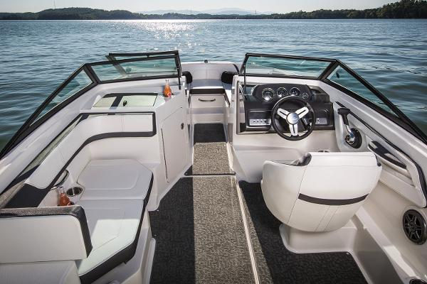 Sea Ray SPX 190 Outboard Manufacturer Provided Image