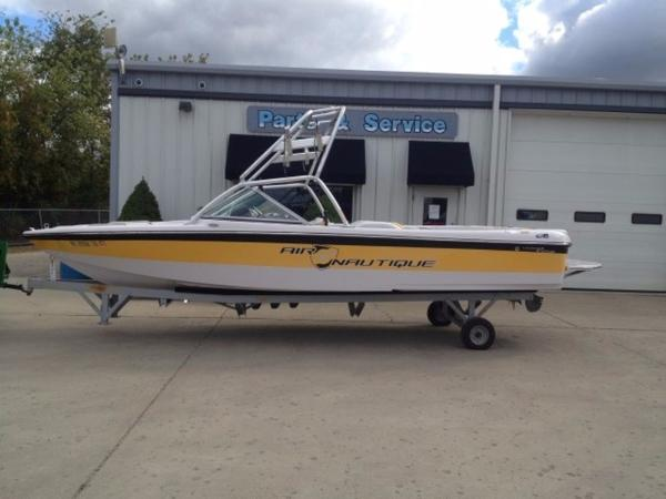 Correct Craft Nautique 216 Limited Edition Open Bow