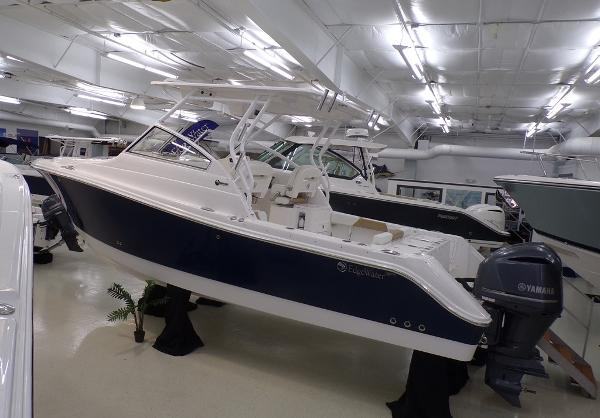 Edgewater 280 CX Sister Ship