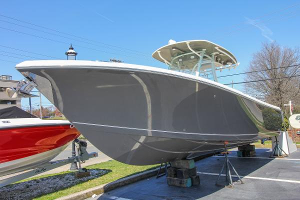 Sailfish 290 Center Console