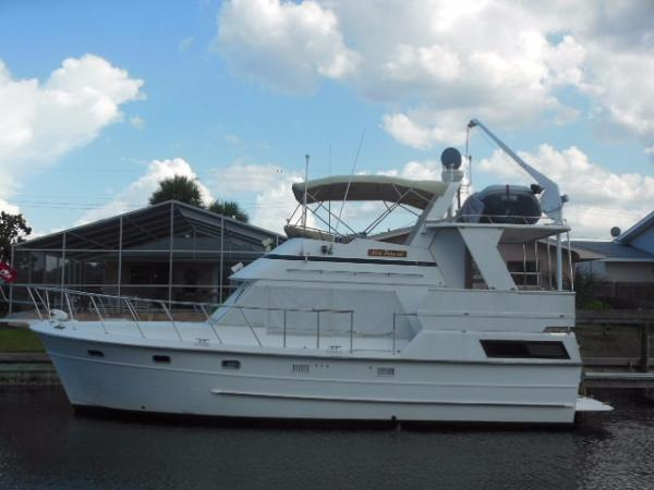 Nova Heritage East 36 Sundeck Trawler Portside Profile