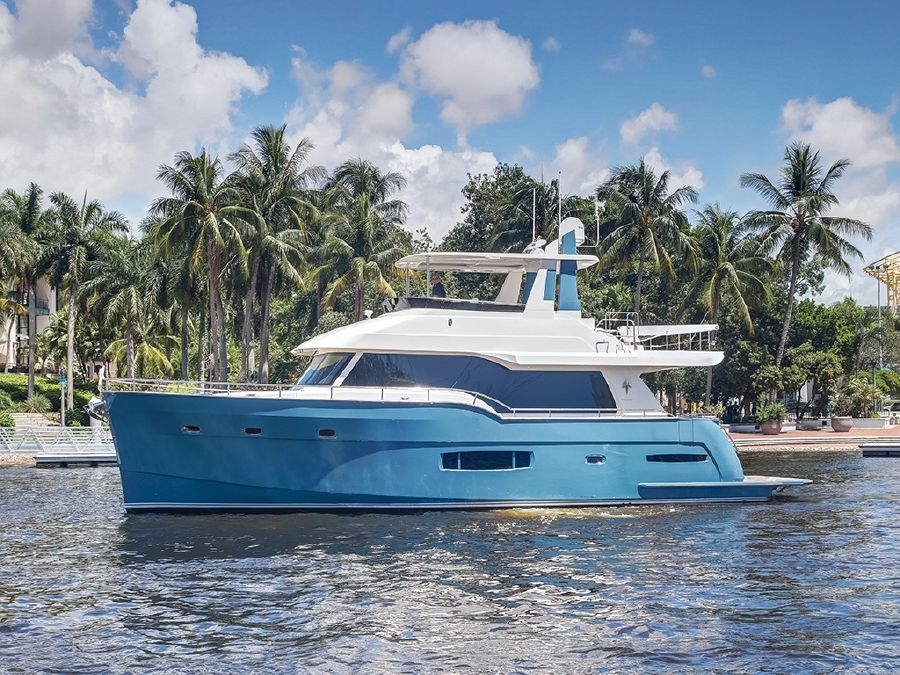 Outer Reef Trident Boat