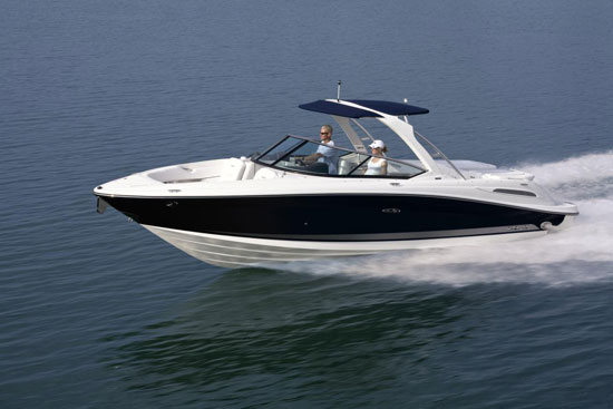"""Sea Ray's 270 SLX, a Great """"Go to Dinner"""" Boat"""