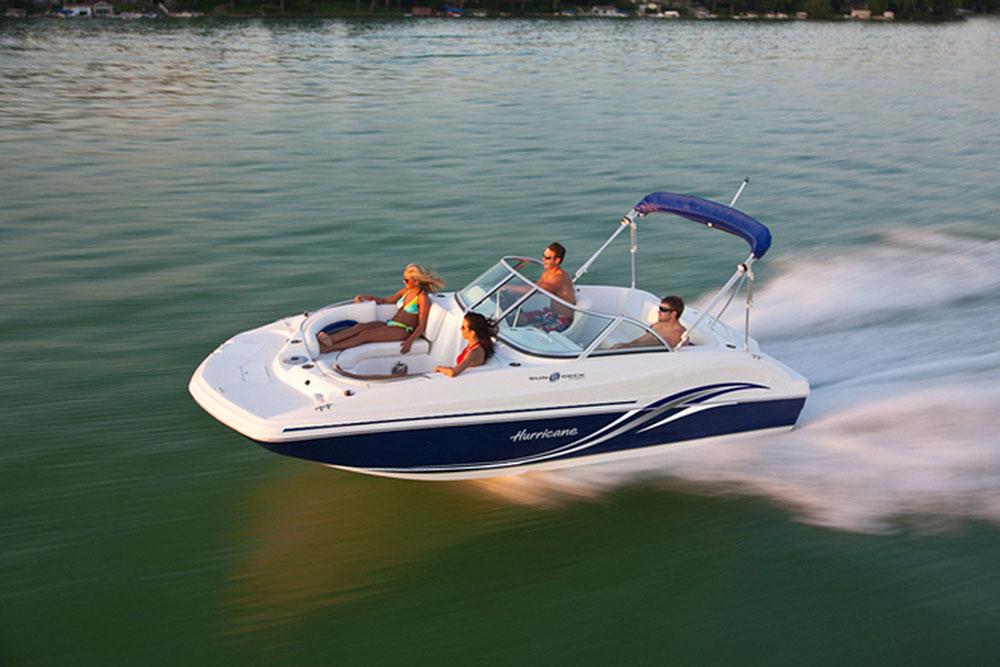 Hurricane SunDeck SD 187 I/O: A Small But Sweet Deckboat