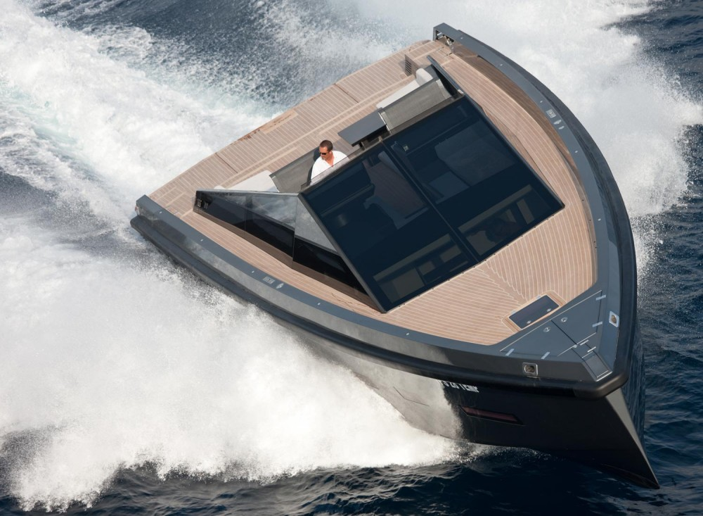 Five Bizarre (But Totally Awesome) Boats