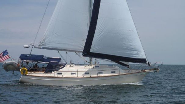 Perry Design Review:  Island Packet 380