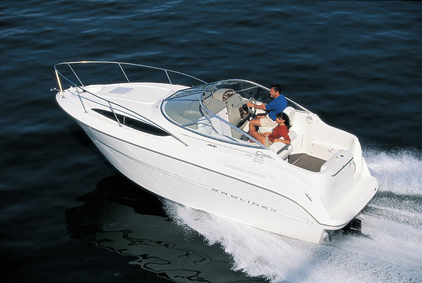 Bayliner 2455 Ciera Sundbridge: Pocket Cruiser