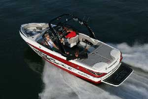 Wakeboard Boat Review: Malibu Wakesetter 20 VTX
